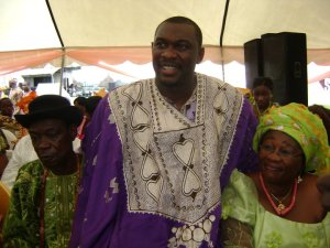 A Groom with his parents (Grooms parents are non Yoruba)